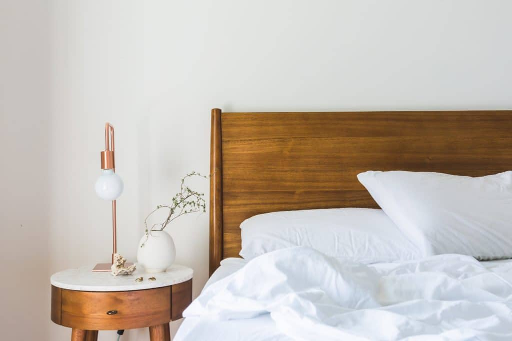 How to choose the right bed for your bedroom
