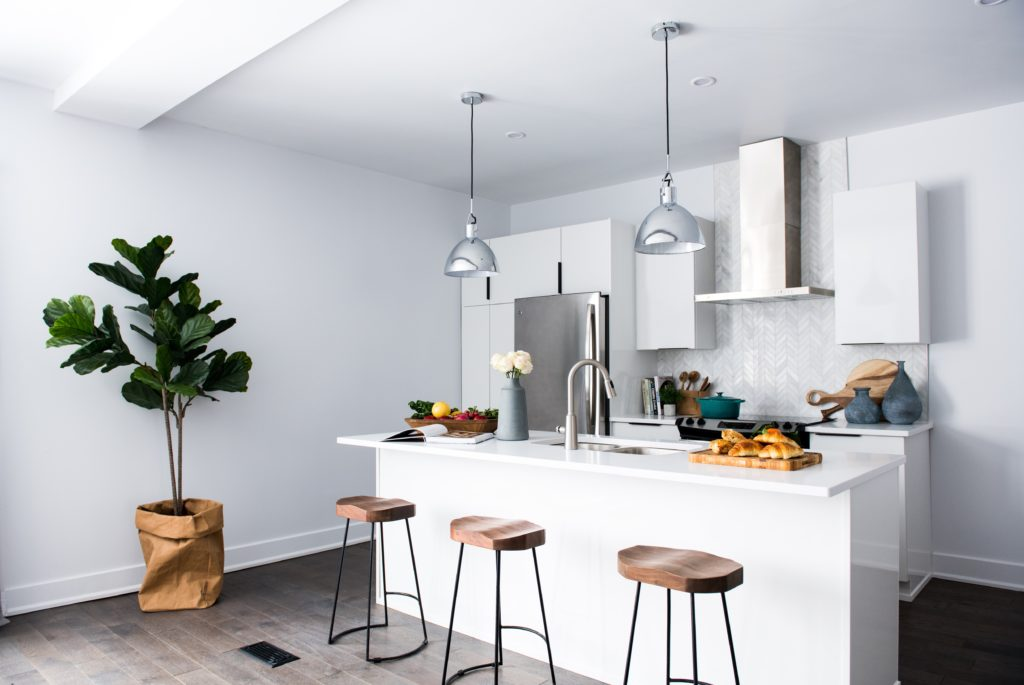 Determine the height of Pendant light to select suitable one for your kitchen
