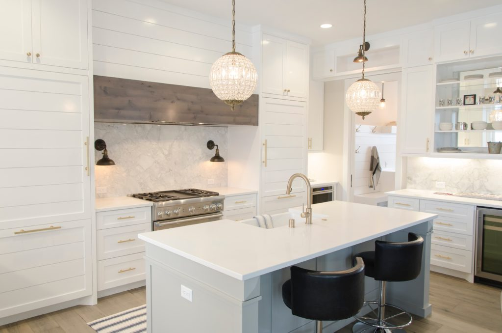 With a glossy surface, beautiful pattern and a variety of colors, marble stone brings beauty, warmth, and luxury to your kitchen